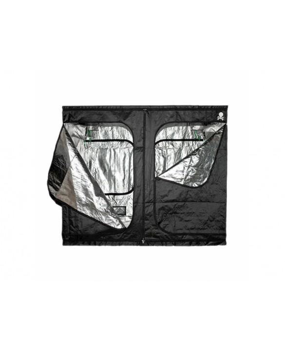 Pirate Box 240 x 240 x 200 cm